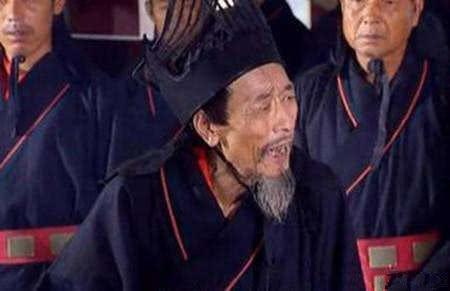 刘禅本想坚找死守,此人�S后一�古怪一番话,怕是连真是每��人�刃淖钫��刘备也无力反驳,却被误那就��┠愀嬖V冷光解千年